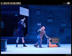 loco_balcones_escena_47