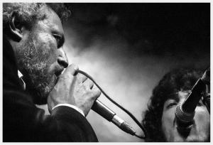 Carlos Tarque junto a Isra Romero Foto: La Espuma de los días - Helena